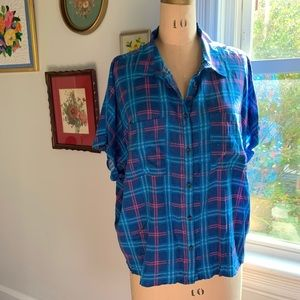 LuLaRoe Amy Short Sleeve Button Down Shirt